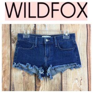 💸Wildfox Lara MidRise denim shorts in size 25